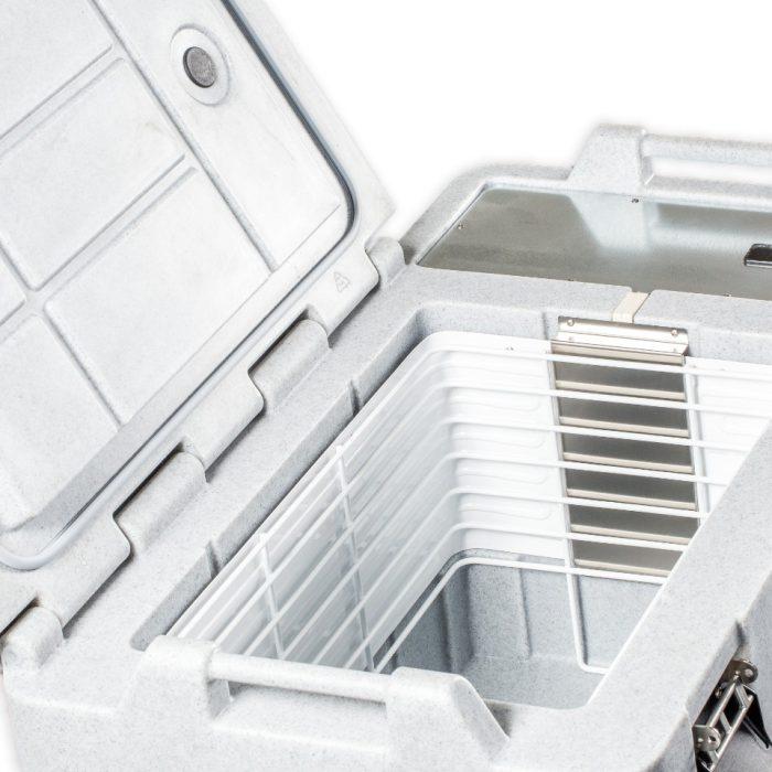 Contenitore refrigerato piccolo da 56 litri, dettaglio interiore